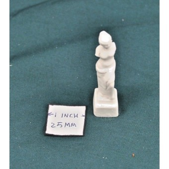 Statue  -  UMST1 -  polyresin  1/12 scale  dollhouse miniature